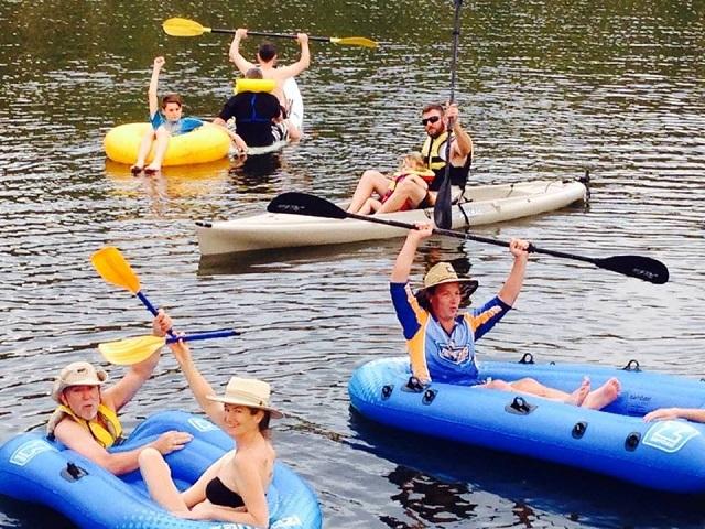 festive-floating-water-regatta
